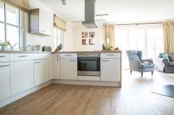 komplett ausgestattete Küche
